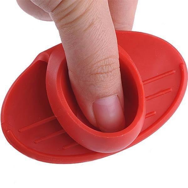 Chňapka s magnetem - červená